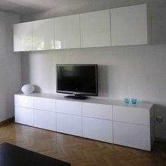 Ikea Besta Cabinets with high gloss doors in living room Ikea Besta Cabinets with high gloss doors in living room – Mobilier de Salon Ikea Tv Wall Unit, Tv Ikea, Wall Units, Ikea Hack, Tv Storage, Storage Cabinets, Home Living Room, Living Room Designs, Ikea Tv Stand