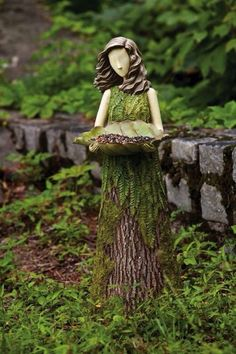 What a great idea for an old stump!!