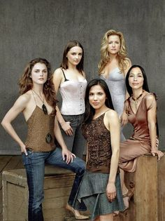 Into The West promo shoot Western Film, Western Style, Cat Ballou, Rachael Leigh Cook, Keri Russell, Into The West, The Great White, Movie Stars, Camisole Top