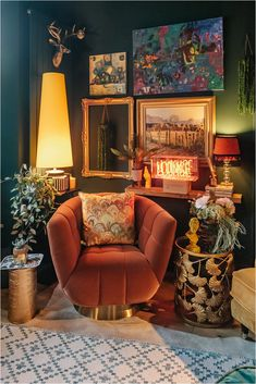 3-tips-in-choosing-a-velvet-sofa-colour Dark Green Living Room, Dark Green Walls, Blue Walls, Green Velvet Sofa, Yellow Sofa, Green Sofa, Green Lounge, Diy Projects On A Budget, Cosy Lounge