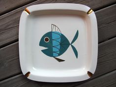 Metlox Tropicana Fish large ashtray. The Fish pattern was designed by Helen McIntosh.