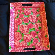 """EUC Lilly Pulitzer Melanine Tray EUC Lilly Pulitzer Large Melamine tray. First impressions print thick plastic tray. 19"""" long by 14.5"""" across. Perfect for displaying jewelry or makeup. Lilly Pulitzer Other"""