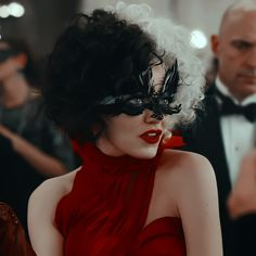Cruella Movie, Iconic Movies, Good Movies, Actress Emma Stone, Cruella Deville, Disney Icons, Disney Villains, Disney Movies, Movie Characters