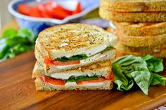The fusion of pizza and sandwiches – why not, right? I've seen some crazy grilled cheese combos on various foodie sites lately and while this one isn't necessarily crazy wild, it&…