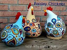 Creating some gossipy Paisley Chickens!  These are so cute!