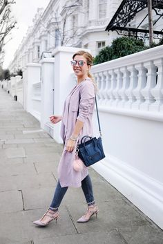 blaue_Celine_Nano_Tasche_rosa_Mantel_missguided_london