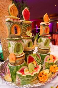 By Party Round Green & Partners Call Danilo Mobile: 335 6815268 Office: 02 2610052 Creative Kitchen, Creative Food Art, Veggie Art, Fruit And Vegetable Carving, Fruit Buffet, Dessert Buffet, Fruit Dessert, Fruits Decoration, Fruit Creations