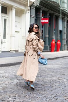In the Mood for Blue - Summer Street Style - Wendy's Lookbook Wendy's Lookbook, Blue Trench Coat, Color Pairing, Street Style Summer, Leather Shorts, Blue Bags, Mood, Outfits, Fashion