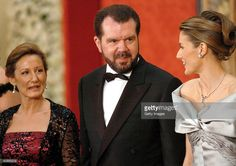 Letizia Ortiz Rocasolano poses for a picture with her father Jesus Ortiz and mother Paloma Rocasolano as they attend a gala dinner at El Pardo Royal Palace May 21, 2004 in Madrid. Spanish Crown Prince Felipe de Bourbon and his fiancee, former journalist Letizia Ortiz are to wed in Madrid on Saturday, in the first royal marriage in Spain of a crown prince or a king in nearly a century.
