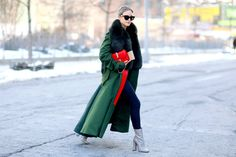 Staying stylish on a snowy day might not be an easy task, but these bloggers prove that it's possible. Pair a fuzzy coat with light-wash boyfriend jeans, and don't forget to accessorise with a...
