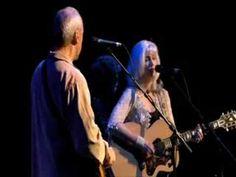 Romeo & Juliet - Mark Knopfler and Emmylou Harris - Real Live Roadrunning 2006 - YouTube
