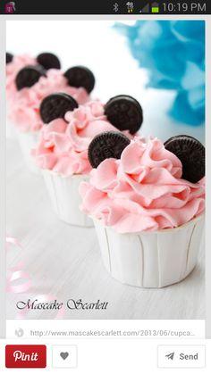 Pink Minnie cupcakes