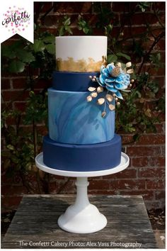 Beautiful modern blue marbled cake with gold leaf and fantasy flower. Cake: The Confetti Cakery Photo: Alex Vass Photography Amazing Wedding Cakes, Elegant Wedding Cakes, Wedding Cake Designs, Amazing Cakes, Pretty Cakes, Beautiful Cakes, Watercolor Cake, Gateaux Cake, Blue Cakes