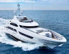 @heesenyachts sells Project Ruya to an American client who will take delivery this month. The superyacht has a top speed of 15 knots with a range of 4000 nautical miles at 10 knots.   via ROBB REPORT MAGAZINE OFFICIAL INSTAGRAM - Luxury  Lifestyle  Style  Travel  Tech  Gadgets  Jewelry  Cars  Aviation  Entertainment  Boating  Yachts