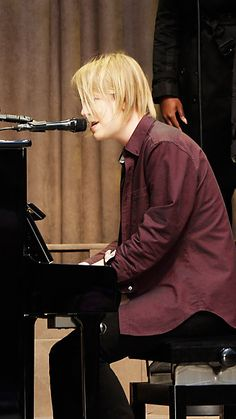 TOM ODELL LIVE AT THE A/W13 SHOW