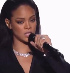 Rihanna Baby, Best Of Rihanna, Mode Rihanna, Rihanna Love, Rihanna Riri, Rihanna Style, Beyonce, Film Aesthetic, Bad Girl Aesthetic