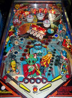 Playfield for the Alien Poker pinball machine. Flipper Pinball, Pinball Games, Pinball Wizard, Arcade Games, Vintage Signs, Vintage Posters, Artificial Brain, Marble Machine, Penny Arcade