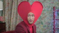 Captura vídeo ttp://www.vogue.es/vogue-tv/fashion-drama/videos/fashion-drama-de-san-valentin-con-miriam-giovanelli-pablo-rivero-y-pelayo-diaz/2543
