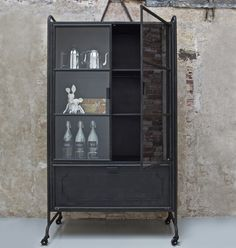 """für Industrial-Liebhaber: Metall Vitrine """"Hardo"""" bei uns im Online-Shop"""