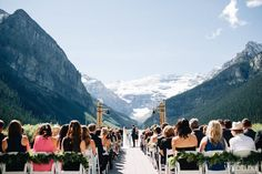 WedLuxe– The Bride Wore Carolina Herrera at this Fairmont Chateau Lake Louise Wedding | Photography By: Heart & Sparrow Photography Follow @WedLuxe for more wedding inspiration!