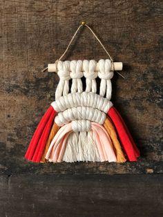 Rainbow Crafts, Henna Tattoo Designs, Mini Heart, Macrame Projects, Orange Pink, Twine, Ornaments, Red, Handmade