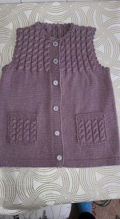 Mountain goat vest pattern - knitted baby clothes # baby # mountain goat vest # clothes # model # you sie Baby Kleidung Baby Knitting Patterns, Knitting Designs, Knitting Stitches, Knitting Dolls Clothes, Knitted Baby Clothes, Pullover Design, Sweater Design, Baby Vest, Baby Cardigan