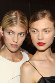 A Tale Of Two Lipsticks: New York Fashion Week Beauty Trend   British Vogue