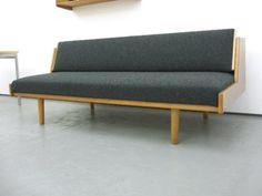 GE 6 Day Bed 1954 by Hans J Wegner
