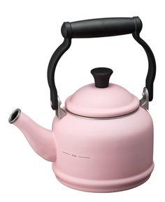 Le Creuset Pink, Kitchen Gadgets, Kitchen Appliances, Pyrex, Kettle, Pretty In Pink, Rose, Home Ideas, Diy Kitchen Appliances