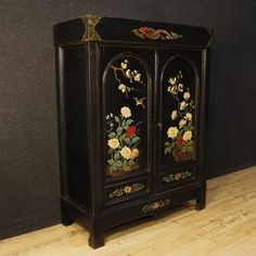2100€ French cabinet in lacquered and painted chinoiserie wood. Visit our website www.parino.it #antiques #antiquariato #furniture #golden #antiquities #antiquario #armadio #wardrobe #armoire #lacquered #lacquer #gold #decorative #interiordesign #home #decoration #antiqueshop #antiquestore #chinoiserie #style #cabinet