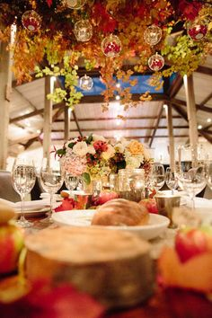Suspended leaves and berries ~ we ❤ this! moncheribridals.com
