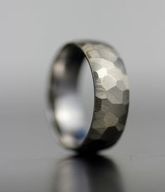 Hey, I found this really awesome Etsy listing at https://www.etsy.com/listing/190767052/mens-wedding-band-white-gold-or-platinum