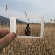 Des Polaroid juxtaposés avec la réalité