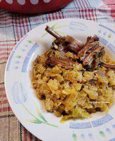 Podvarak/ Baked Sauerkraut - The Balkan Hostess Pickled Cabbage, Sauerkraut Recipes, Winter Dishes, Serbian Recipes, Smoked Ribs, Smoking Meat, Large Bowl, Winter Food, Kitchens