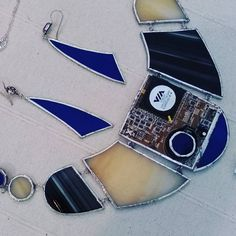CIrcuit board collection from Conny's Kreations, statement necklace with circuit board and glass, glass earrings. https://www.etsy.com/shop/CONNYSKREATIONS #circuitboardjewels #connyskreations #makerfaire #makerfaire2015