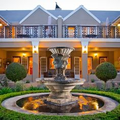 Enjoy one night's stay at the luxurious Rusthuiz Guest House in Stellenbosch