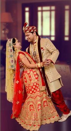 "Photo from Shubh photography ""Wedding photography"" album Indian Bride Photography Poses, Indian Bride Poses, Indian Wedding Poses, Indian Bridal Photos, Wedding Couple Poses Photography, Couple Wedding Dress, Wedding Couples, Hindu Wedding Photos, Bridal Photoshoot"