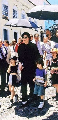 Michael Jackson and Cascio kids ;) He always loved babies and all children of the world ღ @carlamartinsmj