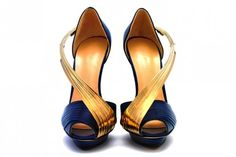 Gold sculpt couture shoes by Brazilian shoe designer, Andreia... - Andreia - Zimbio