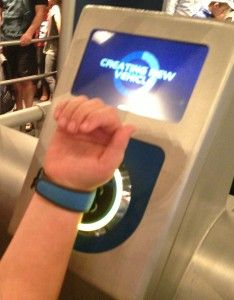 16 Ways to Use the Magic Band: Using MagicBands just before entering the ride vehicle at Test Track to bring up the car design customized earlier. Disney Honeymoon, Disney Vacation Planning, Disney World Planning, Walt Disney World Vacations, Vacation Planner, Disney Parks, Disney World Tips And Tricks, Disney Tips, Disney Day