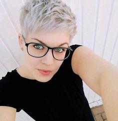 Short Pixie Haircuts, Girl Haircuts, Short Hairstyles For Women, Hairstyles Haircuts, Short Hair Cuts For Women Pixie, Pixie Bangs, Messy Pixie Haircut, Shaggy Pixie, Best Pixie Cuts