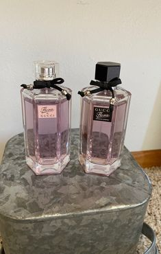 Flora by Gucci Gorgeous Gardenia on Mercari Perfume Scents, Perfume And Cologne, Best Perfume, Perfume Atomizer, Perfume Bottles, Parfum Yves Rocher, Maquillage Yeux Cut Crease, Parfum Chloe, Parfum Victoria's Secret