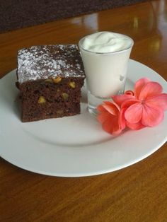 Zucchini Brownies Low Fat Brownies, Zucchini Brownies, Deserts, Pudding, Nutrition, Facebook, Food, Zucchini Brownies Paleo, Custard Pudding