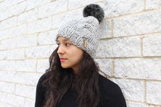 Each of these thoughtful items are going to make theteenage krown in your life for that reason delighted. Christmas Gifts For Teen Girls, Birthday Gifts For Teens, Winter Knit Hats, Winter Hats For Women, Fur Pom Pom Hat, Crochet Bows, Cable Knit Hat, Crochet Accessories, Knitted Hats