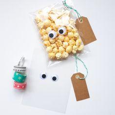 Simpel, lekker en leuke traktatie, popcorn! Altijd een feestje 🎉 Happy Birthday Boy, Twin Birthday, Birthday Treats, Mickey Party, Gifted Kids, Happy B Day, Time To Celebrate, Bake Sale, Kids And Parenting