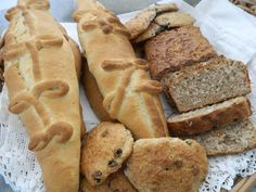 Caribbean holiday Baking, Christmas, Breads, Cakes and Cookies. Christmas in the Caribbean is a big island event, and more so with th. Caribbean Butter Bread Recipe, Caribbean Recipes, Caribbean Food, Indian Bread Recipes, Crockpot Recipes, Cooking Recipes, Island Food, Big Island, Holiday Baking