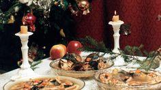 12 tradycyjnych potraw z wigilijnego stołu Polish Holidays, Holiday Recipes, Table Settings, Christmas, Painting, Poland, Polish Recipes, Natal, Xmas