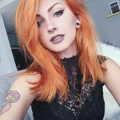 Dilataciones huecas, septum y pelo naranja. Love!