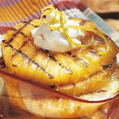 Bbq Grilling, Grilled Pineapple With Mascarpone Cream, Use Your Grill To Make This Easy, Elegant Dessert Of Grilled Pineapple Slices Served With Lemon-Scented Mascarpone Cheese And A Sprinkling Of Toasted Hazelnuts. Grilled Pineapple Desserts, Grilled Fruit, Grilled Peaches, Mascarpone Cream Recipe, Mascarpone Cheese, Fruit Recipes, Dessert Recipes, Hot Desserts, Sweets