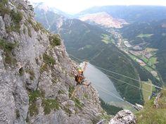 Auf der Seilbrücke am Ausstieg des Kaiser-Franz-Joseph-Klettersteiges